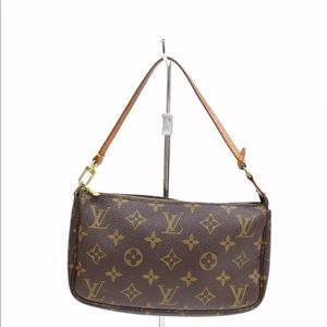 Authentic Louis Vuitton Pochette Accessoires Bag